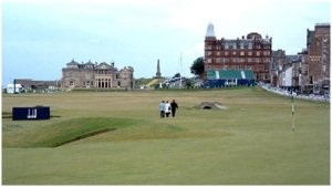 18th Hole approaching the clubhouse at St. Andrews Picture by Alan Stewart via Wikipedia